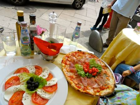 Lunch-Pizza-Food-Europe
