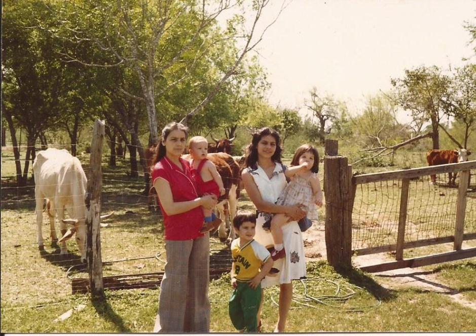 Nina and Norma with the kids, visiting Texas