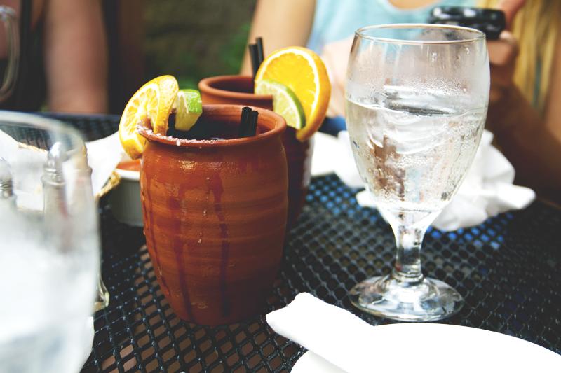 Drinks-Dinner-Fruity-Water-Table
