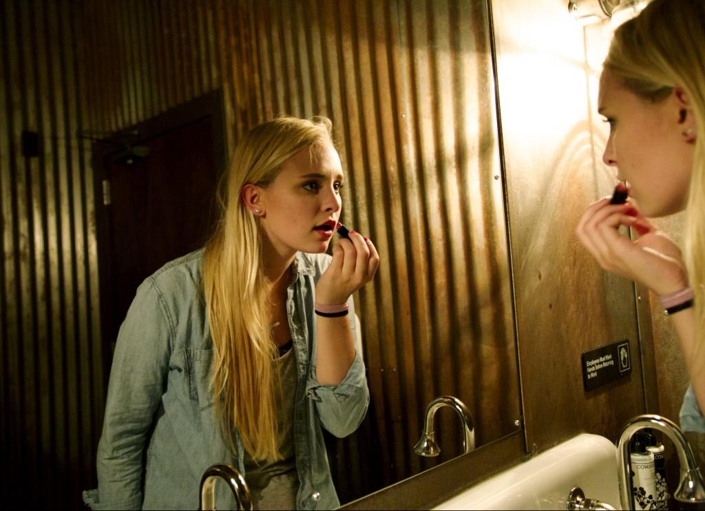 Lipstick-bathroom-sink