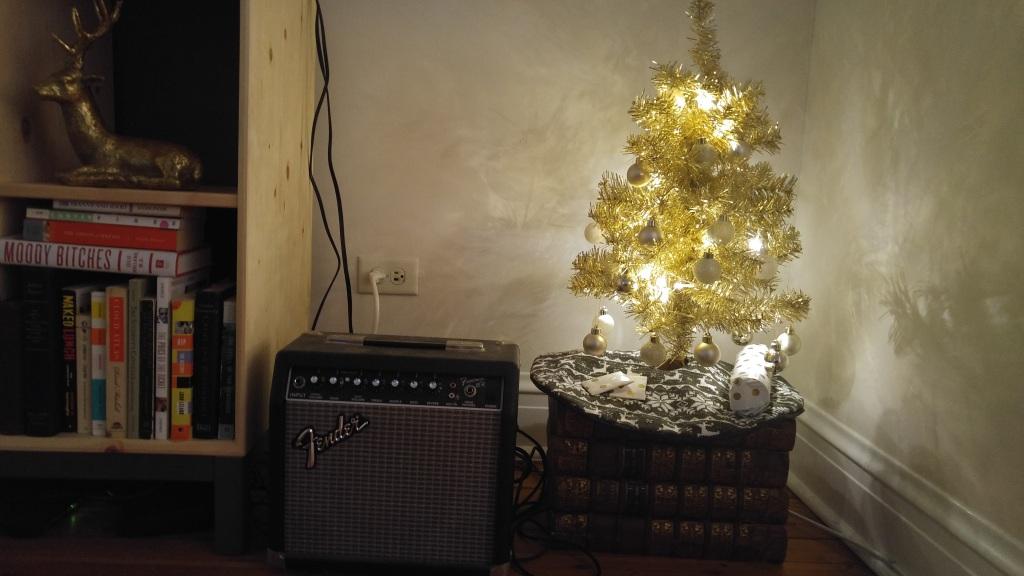 Christmas-tree-books-amp-tinsel