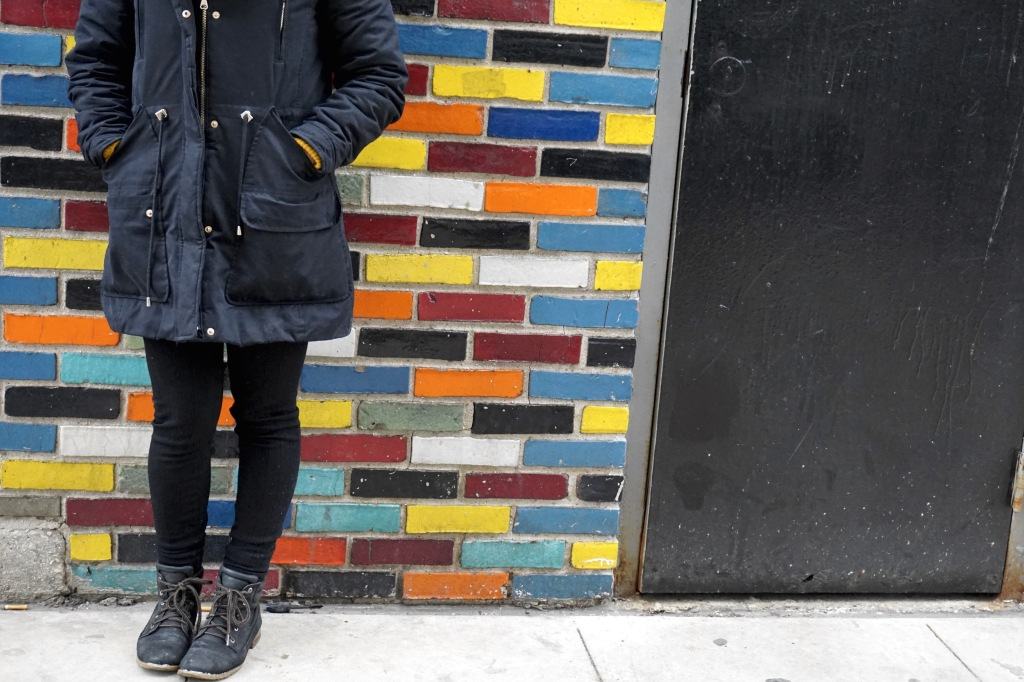 Legs-colorful-wall-winter
