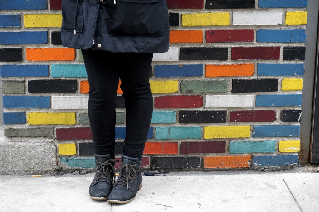 Mad-Legs-Colorful-Wall-Winter
