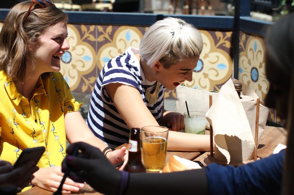 Girls-drinking-beer