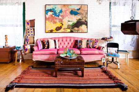 pink-sofa-homedit